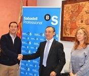 L'associació empresarial de Picanya i Banc Sabadell signen un acord de col·laboració