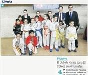 """""""El club de karate de Picanya gana 12 trofeos en Almussafes"""""""