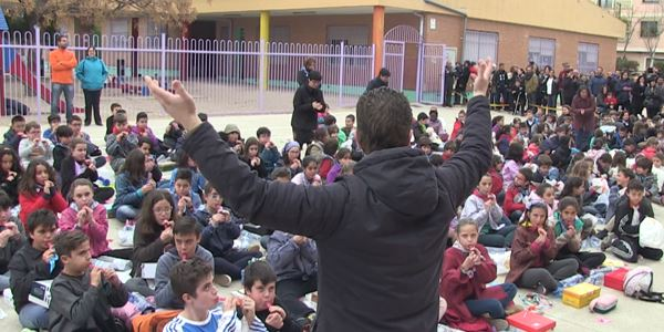 Escola Ausiàs March - Mascletà sense pólvora