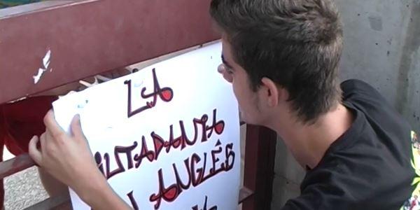 I.E.S. Enric Valor - Actes de protesta en contra de la Conselleria d'Educació