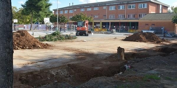Arranquen les obres de construcció de la pista coberta a l'escola Ausiàs March