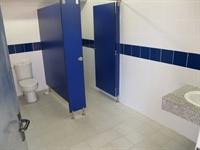 Renovació dels lavabos del Poliesportiu Municipal